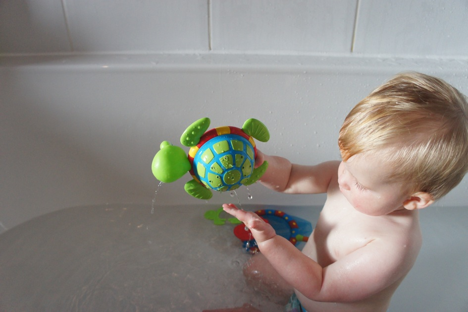 bath-time-nuby-turtle
