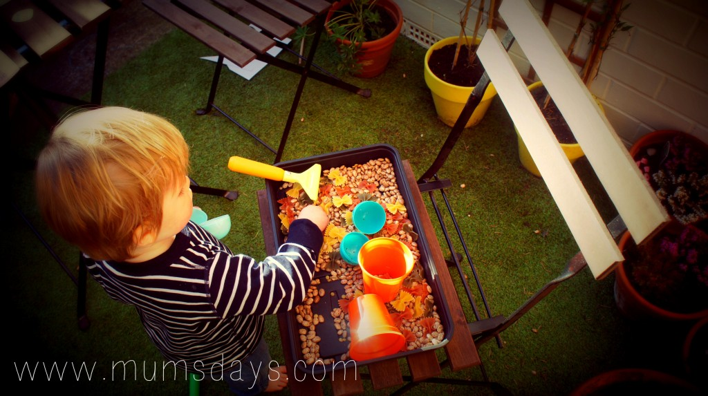 Toddler Easter Sensory box - Egg hunt