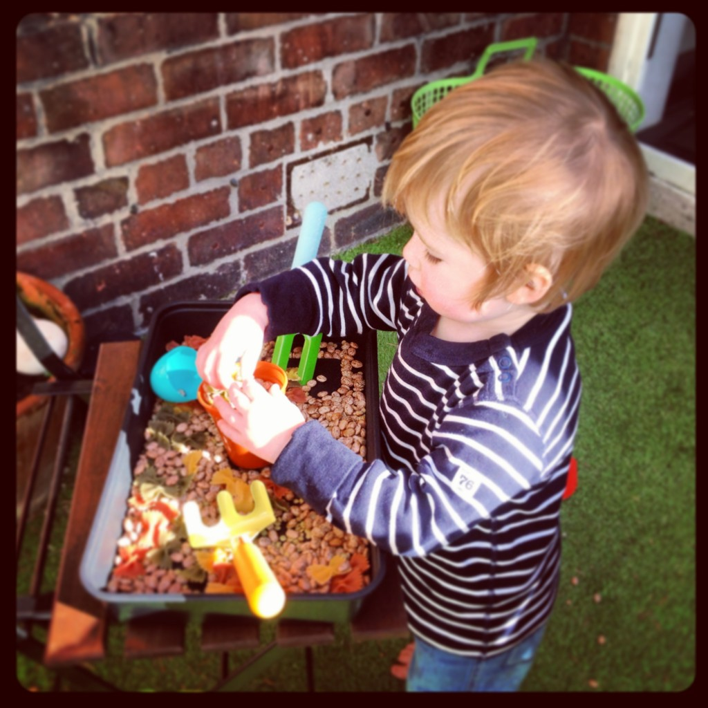 Mums' List 7 - Spring 2014. Easter Sensory Box