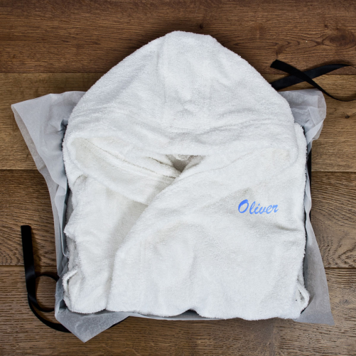 **Competition** UK only - win a luxury personalised child's bath robe from Treat Republic worth £60! (ends 13th Dec 2014). Enter Here: http://www.mumsdays.com/treat-republic-day-6/