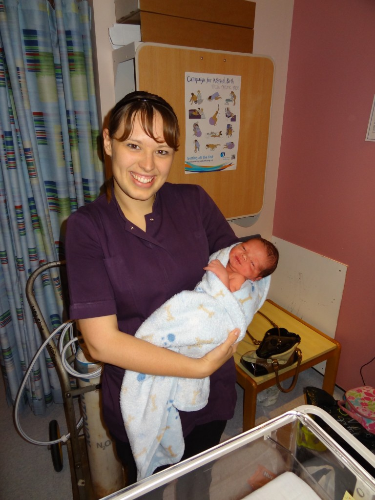 Free Range Birth Story - Fiona's positive birth story, ideal reading for expectant mothers!